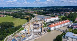 Baustelle des Laufwasserkraftwerks in Töging am Inn